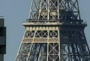 Eiffel Tower zoom details (P30 Pro)