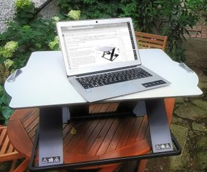Opløft Sit-Stand Desk in action