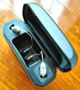 LiNX Quattro in charging case