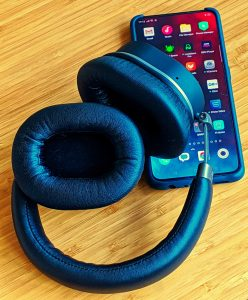Kitsound Immerse 75 headphones with the Oppo Reno 2